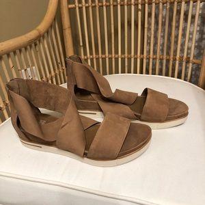 NWOB Eileen Fisher tan suede sport sandal